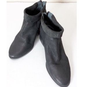 Lucky Brand black leather ankle boots sz8